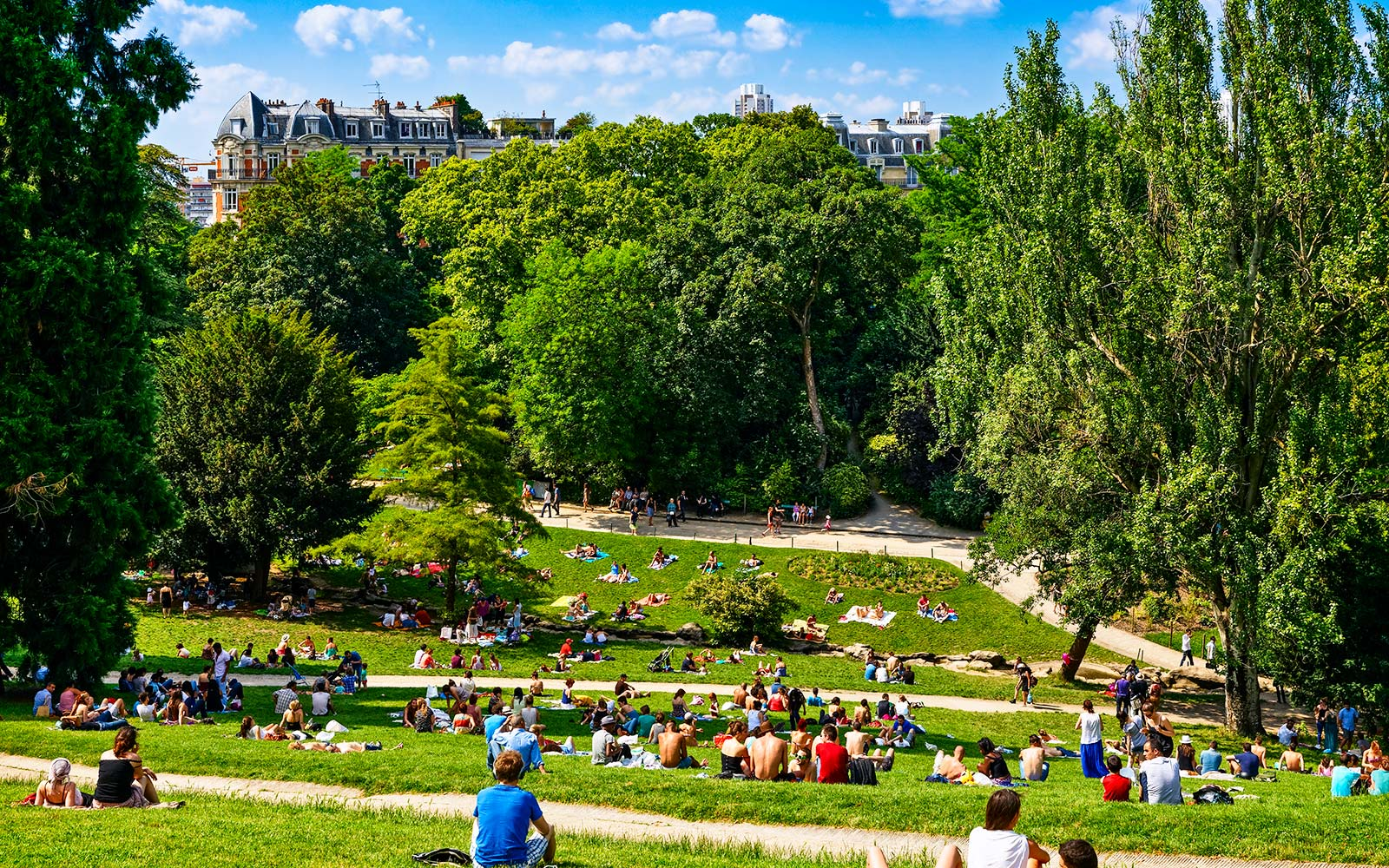 Paris Parks Will Stay Open for 24 Hours This Summer
