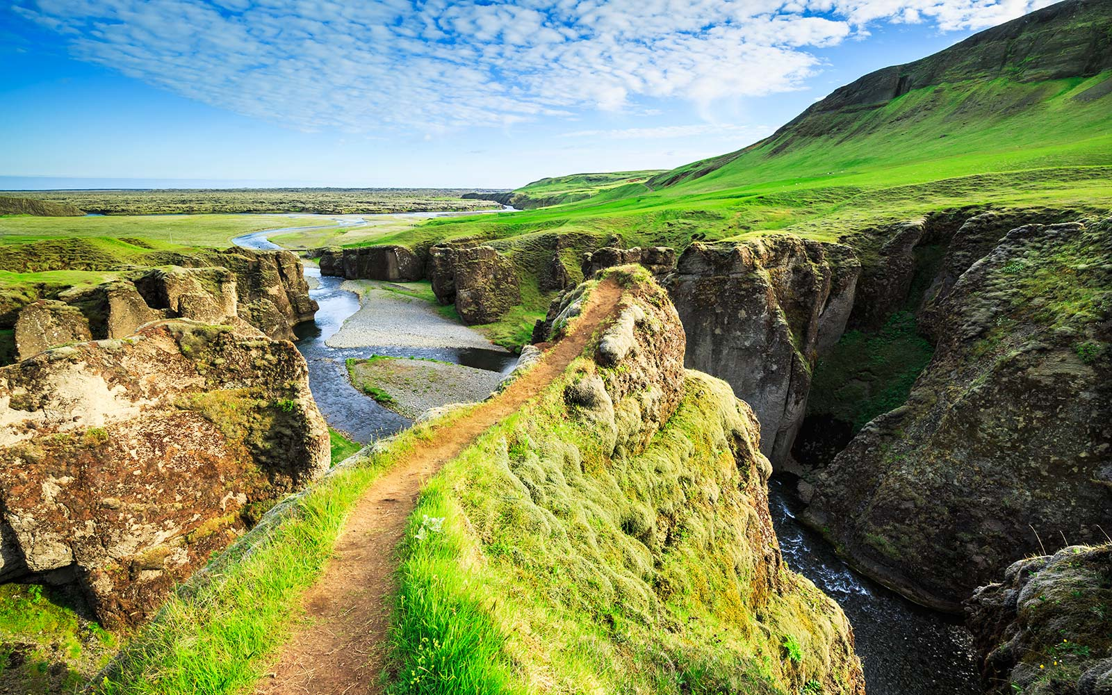 Super Cheap Summer Flights to Iceland on Sale Now for $245 Round-trip