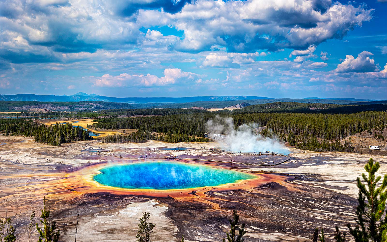 21-year-old Severely Burned After Falling Into Hot Springs at Yellowstone