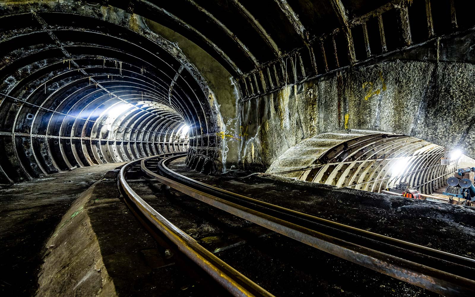 Travel on a Secret Railway Network in London