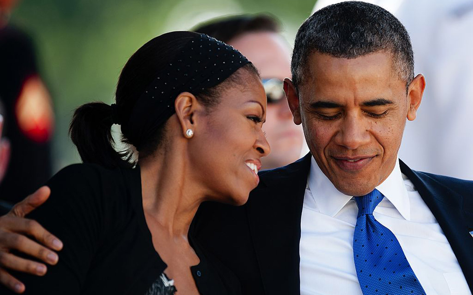 Couple Poses As Obamas for Their Engagement Shoot