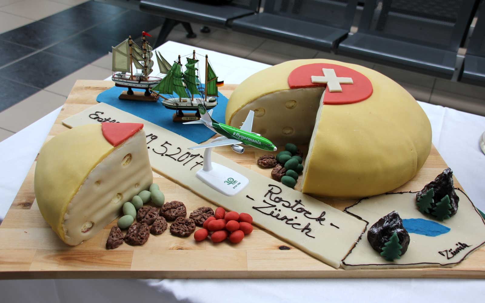 Airlines Celebrate New Routes With Cakes — and They're Incredibly Elaborate