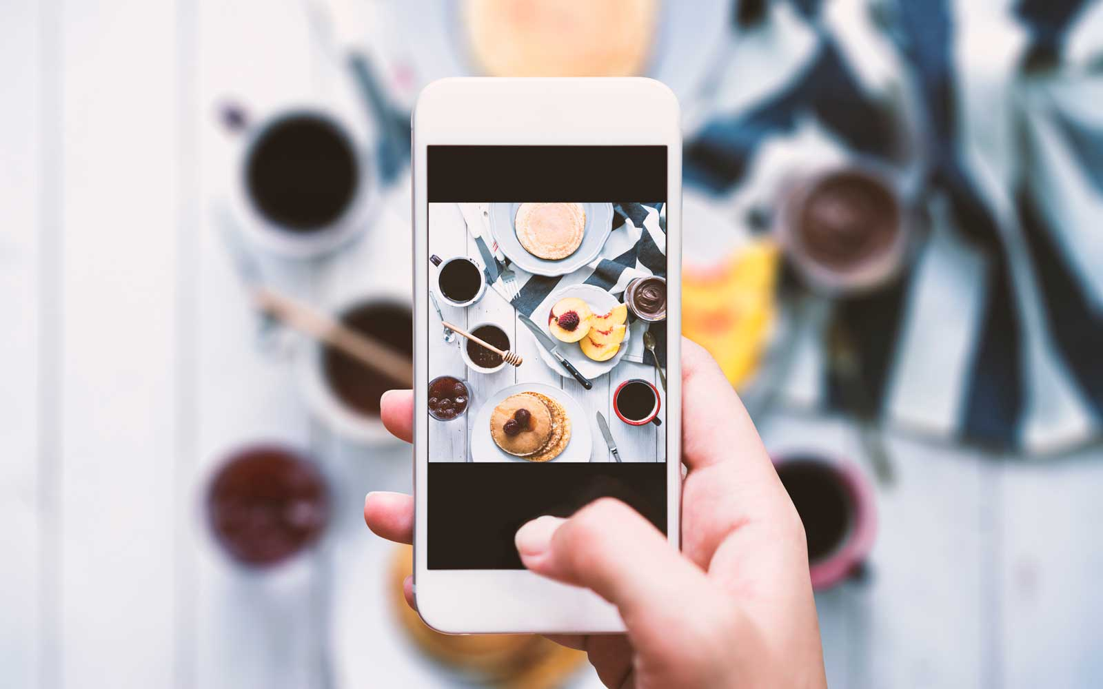 London Restaurant Gives Out Instagram Kits so Diners Can Snap Perfect Food Photos