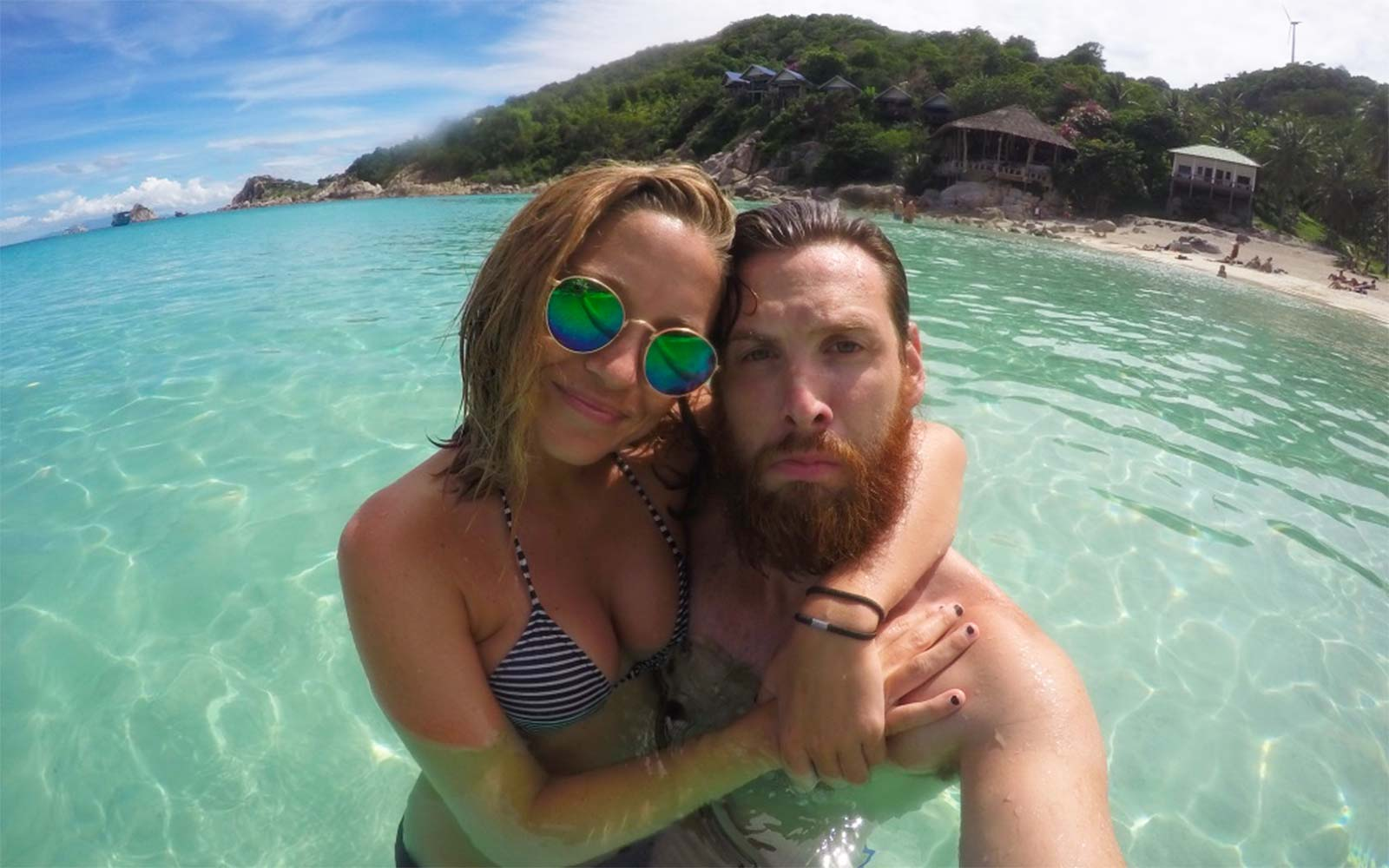 Guy Pens Epic Love Letter to His Girlfriend After Traveling the World With Her