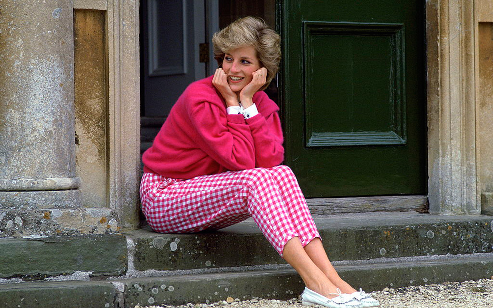 Princess Diana's Brother Shares Never-before-seen Photo of His 'Incredibly Brave' Sister