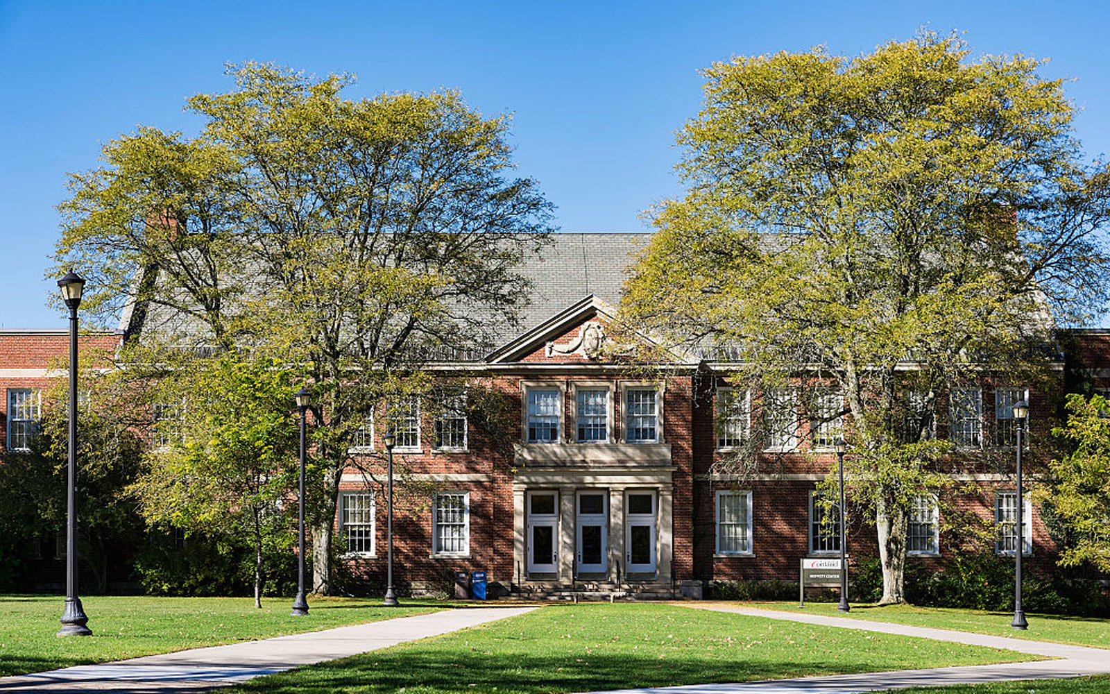 CORTLAND, NEW YORK, UNITED STATES - 2015/10/11: SUNY, State University of New York at Cortland Campus. (Photo by John Greim/LightRocket via Getty Images)
