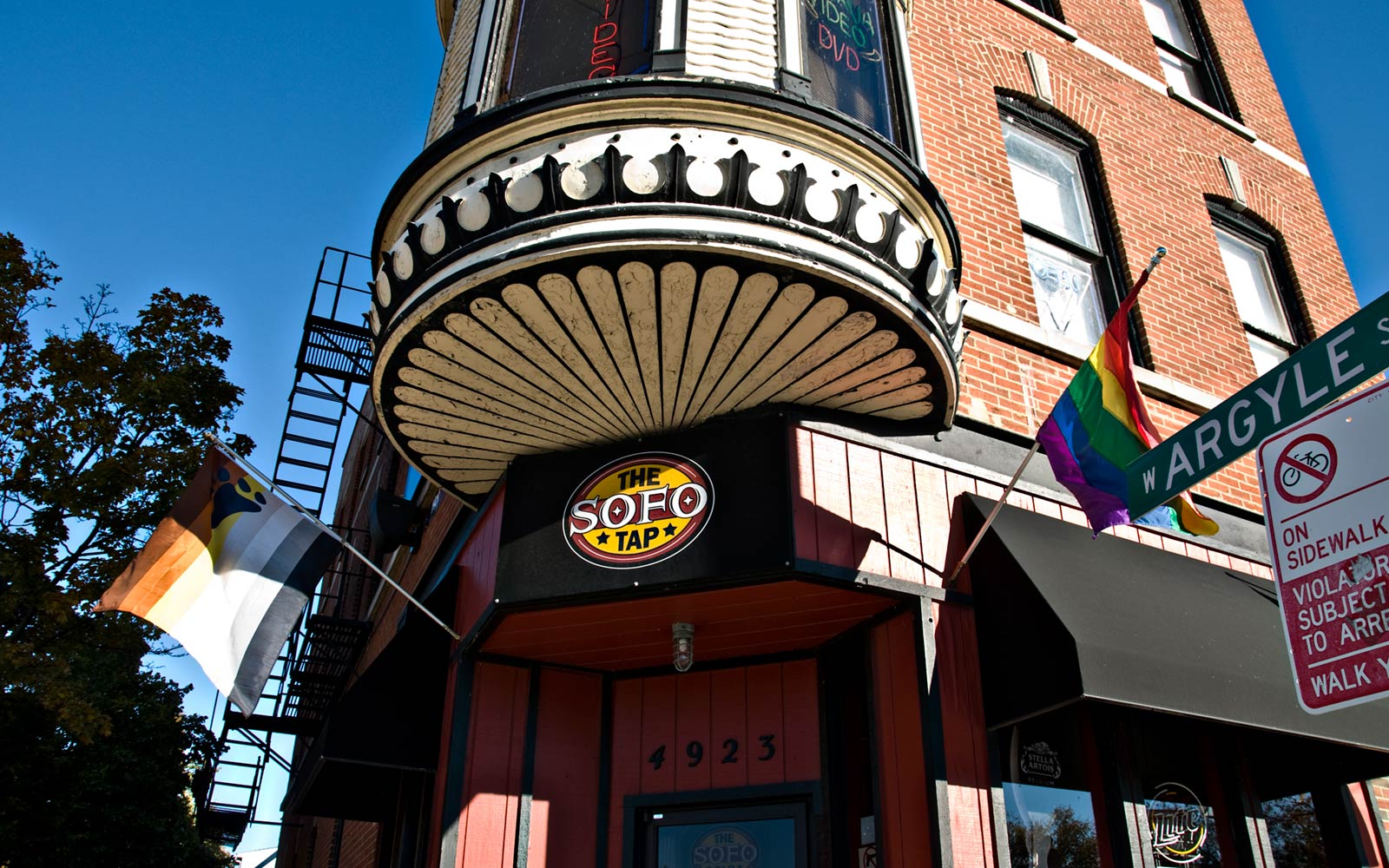 The Best Gay Bars and Clubs in Chicago