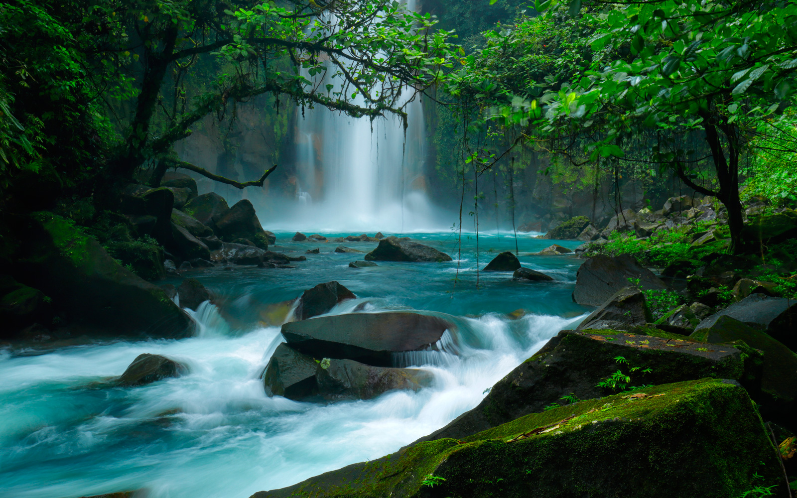 Blue Or Green This Waterfall Will Make You Want To Travel To Costa Rica