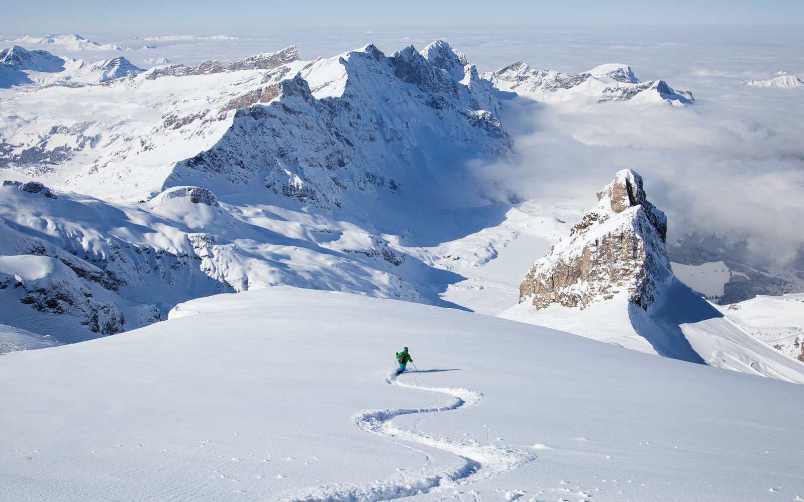 Why You Should Book Your Ski Trip by the End of August
