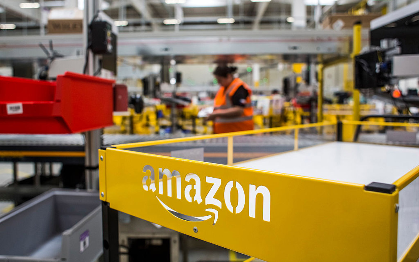 Looking for a Job? Amazon Is Hiring 50,000 People Today