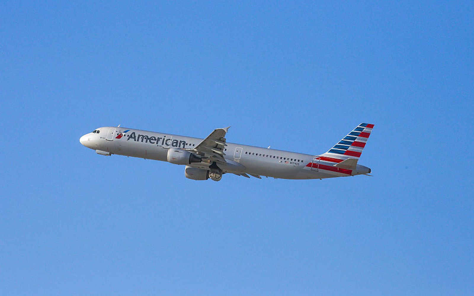 Severe Turbulence on American Airlines Flight Leaves 10 Injured