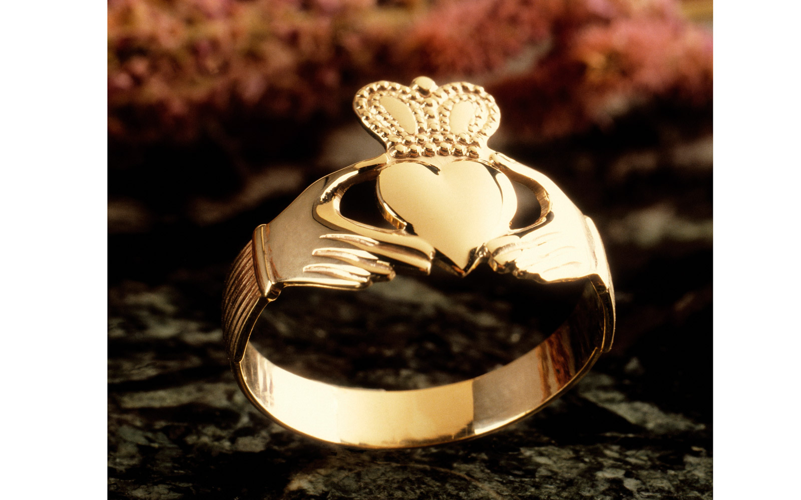 Claddagh Ring, Ireland