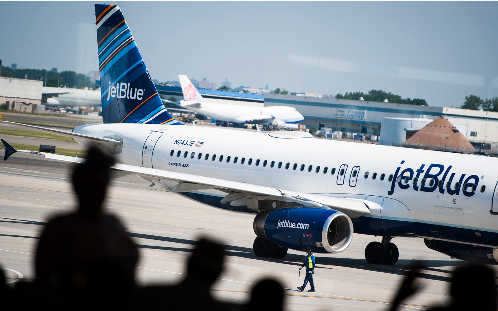 Passengers Are Suing Jetblue for Injuries From Severe Turbulence