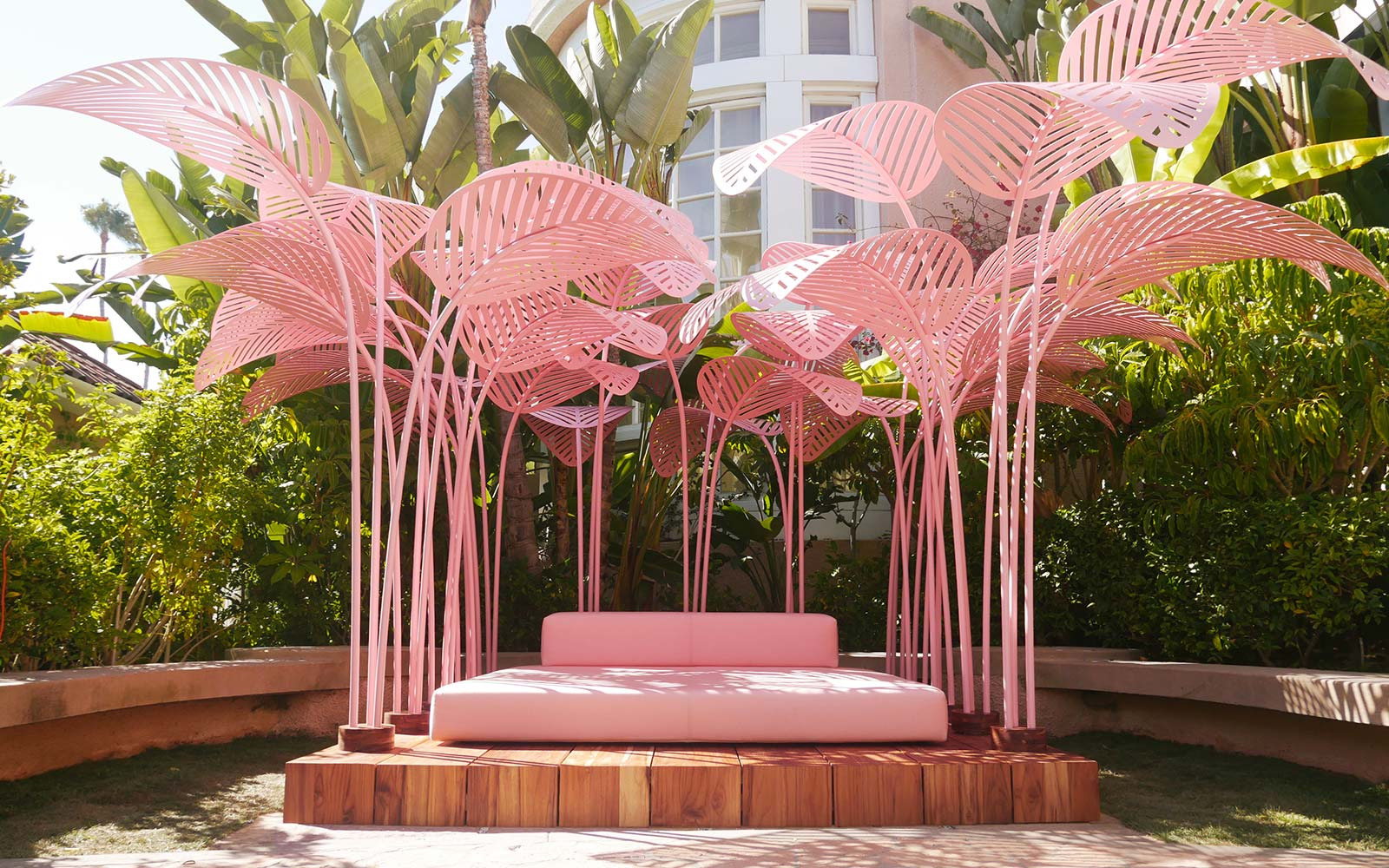 This Gorgeous Daybed at The Beverly Hills Hotel Is Actually an Art Installation
