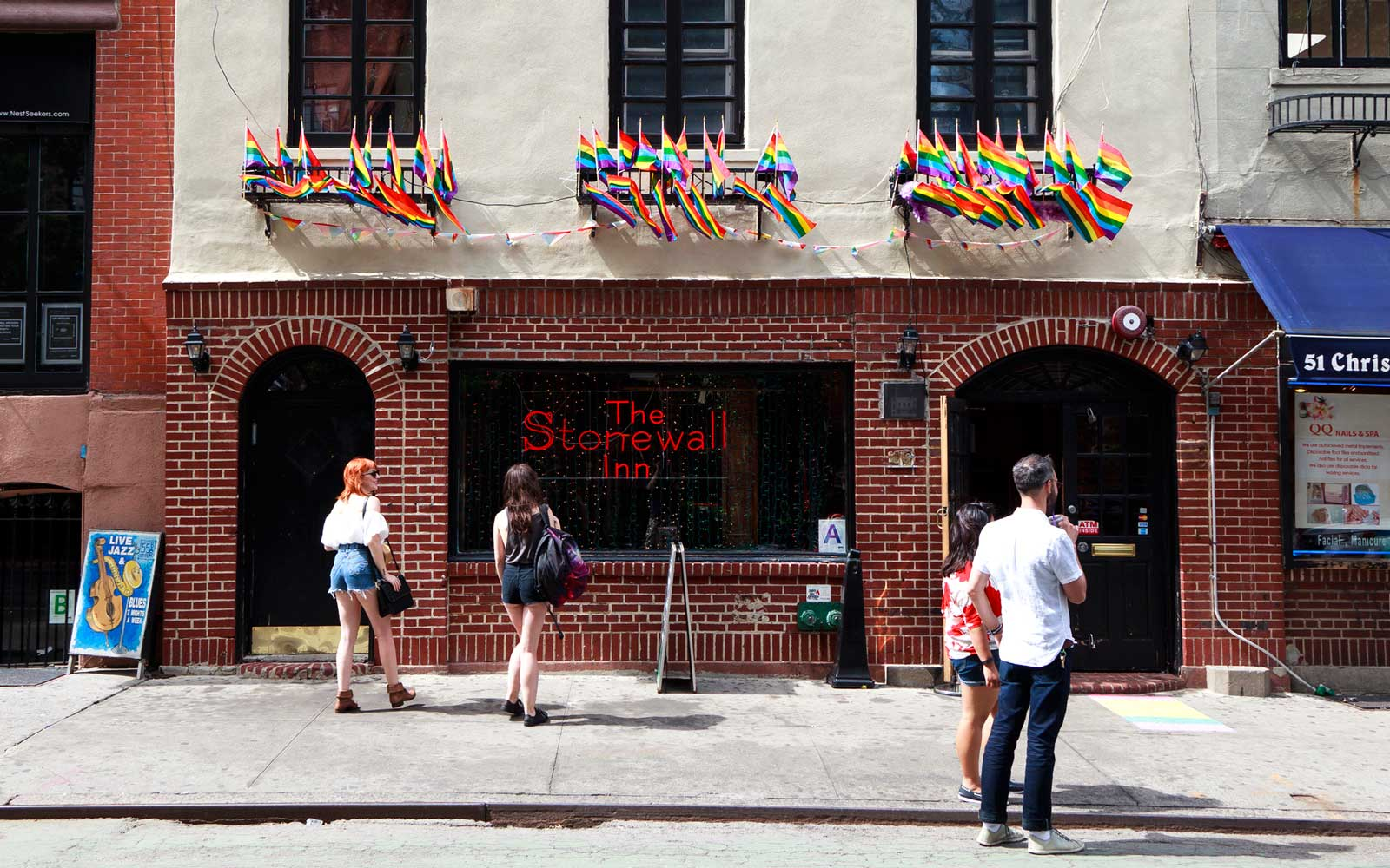 8 Amazing Gay Bars and Clubs in New York City