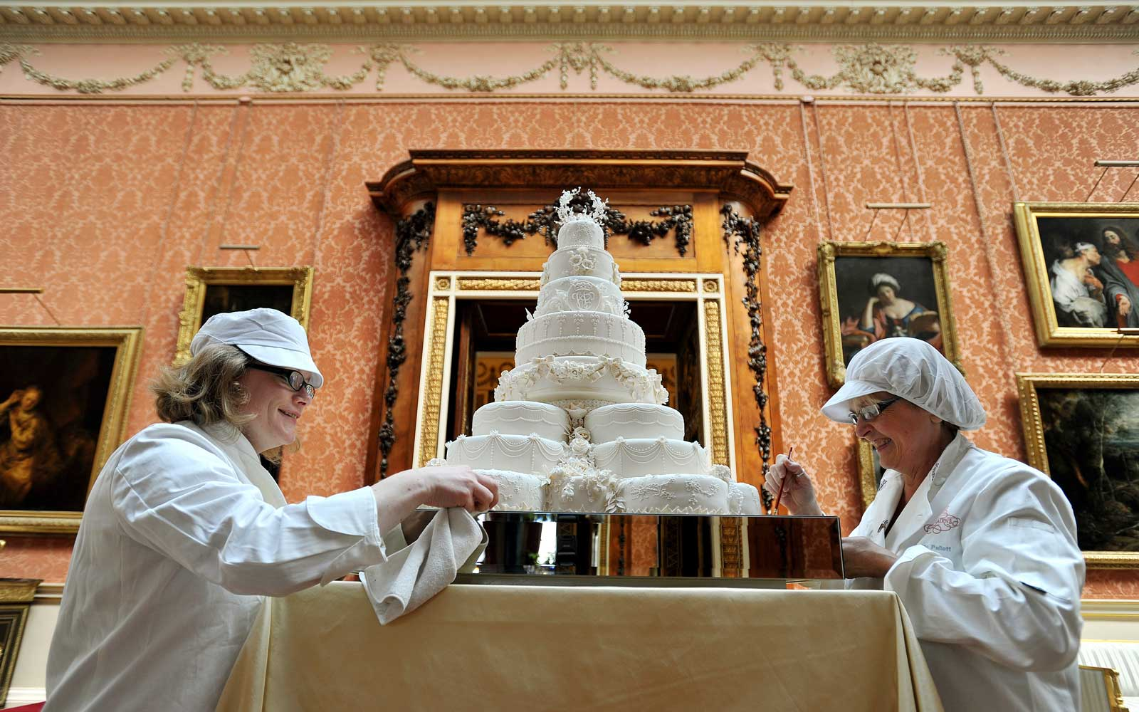 You Can Buy a Slice of Will and Kate's Wedding Cake