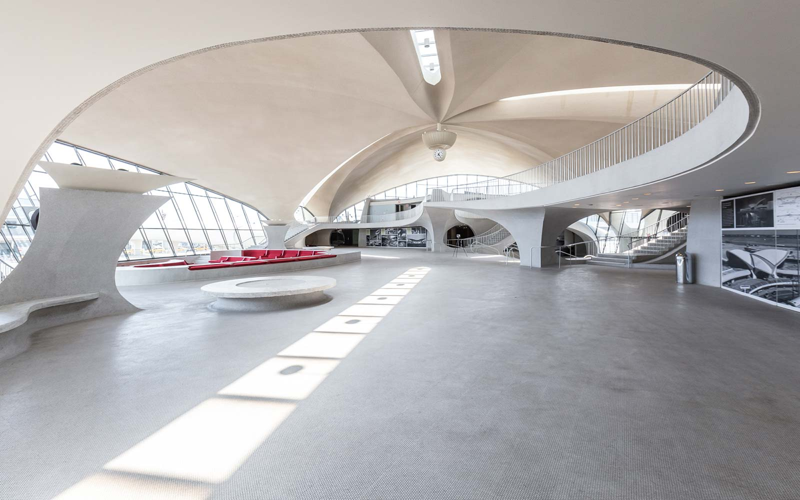Get a first look at the designs for the new twa hotel at for Hotels closest to jfk airport