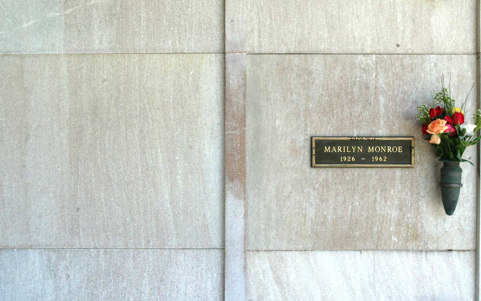 Marilyn Monroe Burial Site