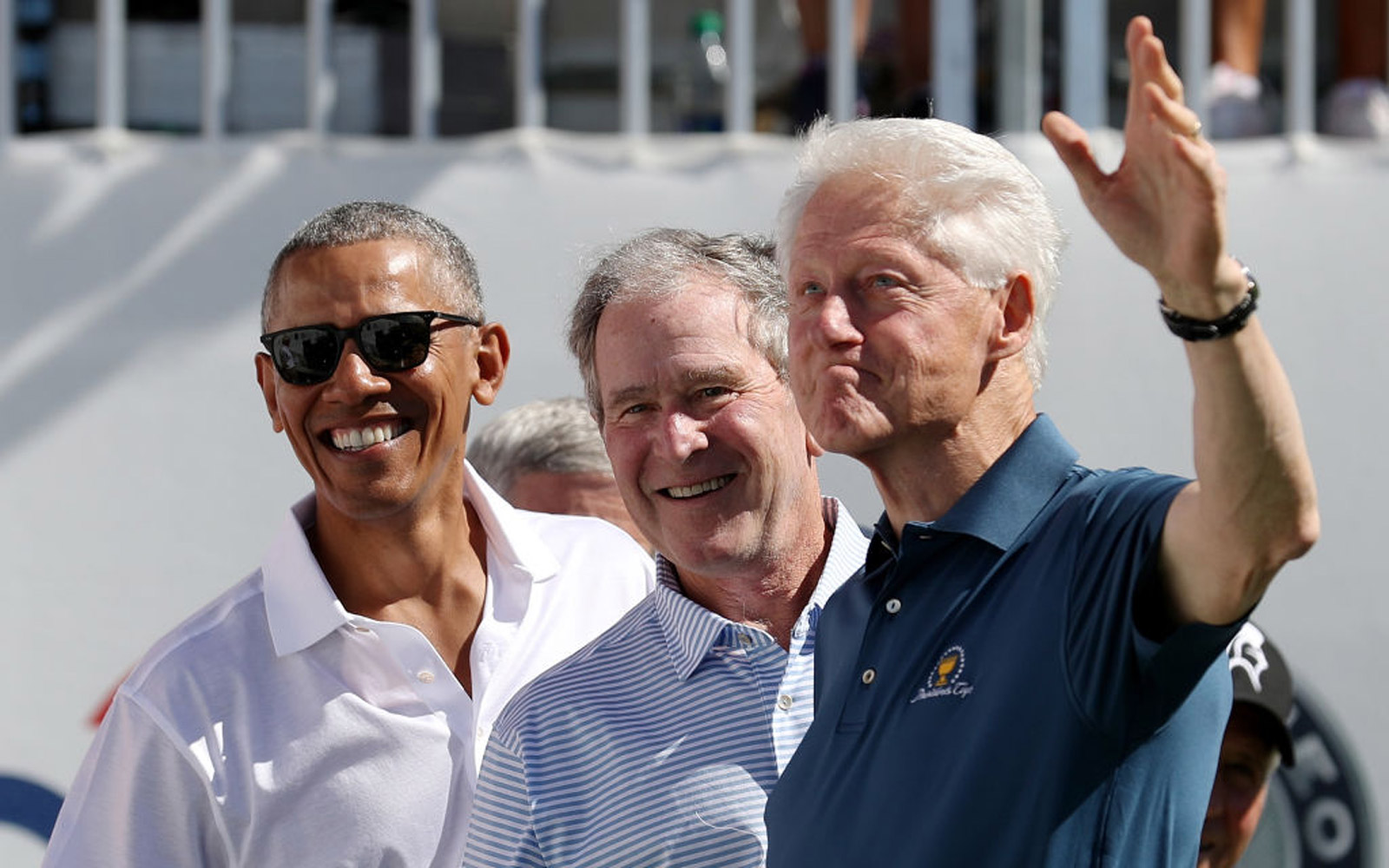 Obama Bush and Clinton Take Viral Photos at Presidents Cup
