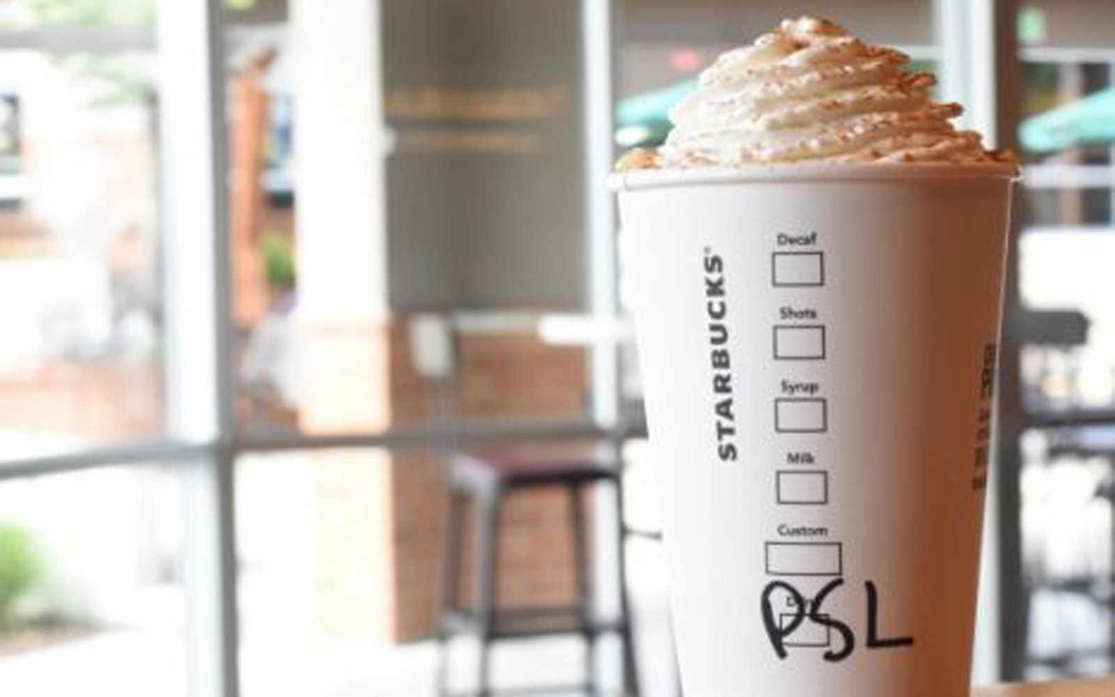 Pumpkin Spice Latte Fans Are Furious Over This Starbucks Fail