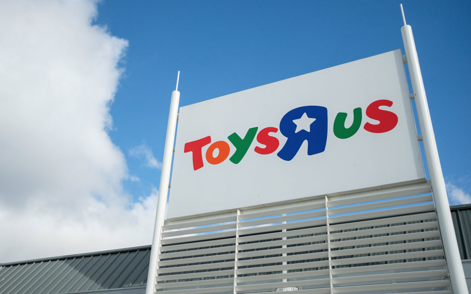 Toys 'R' Us Just Filed for Bankruptcy. Here's What That Means for Your Holiday Shopping