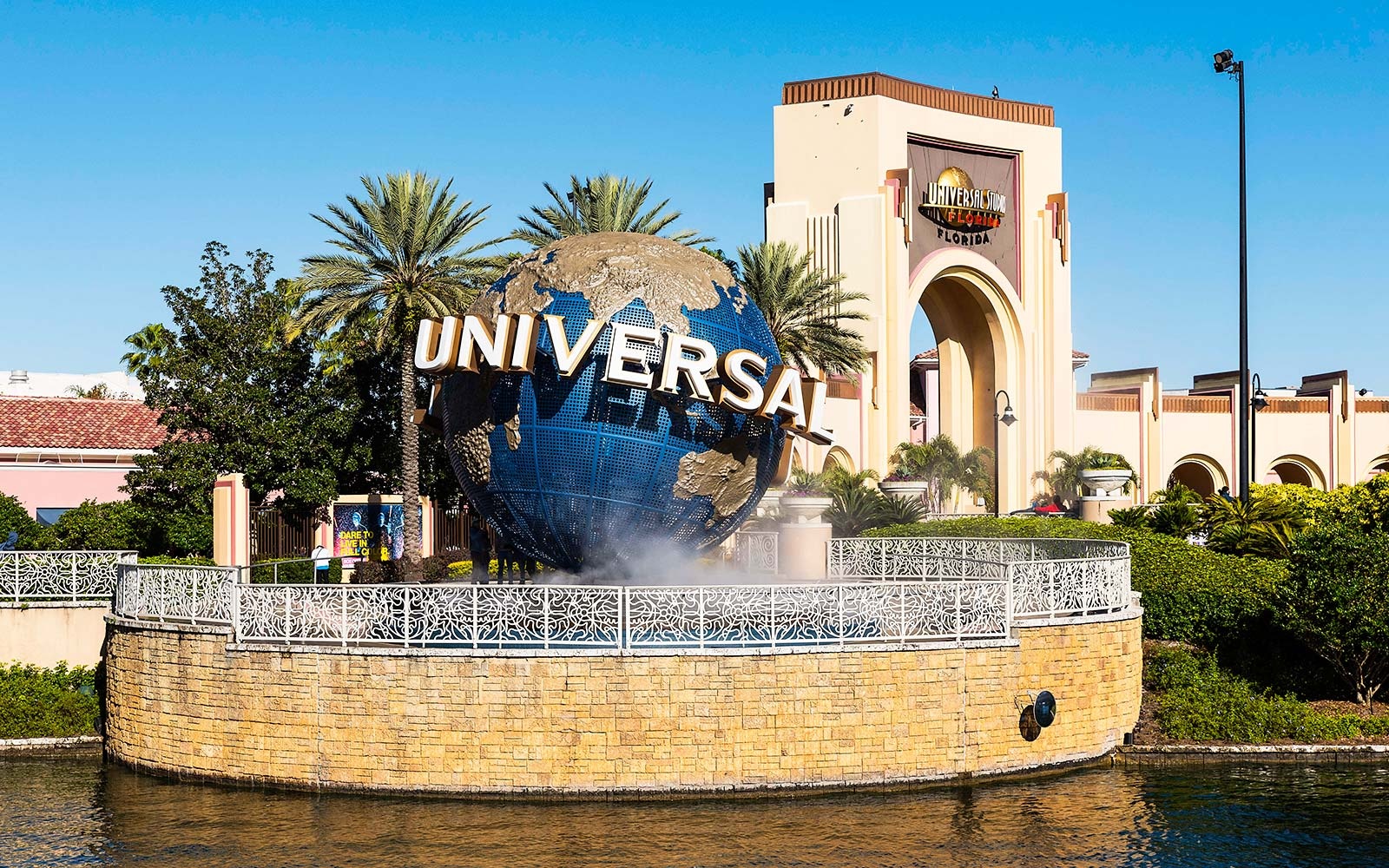 Will Universal Studios Orlando Close Because of Hurricane Irma?
