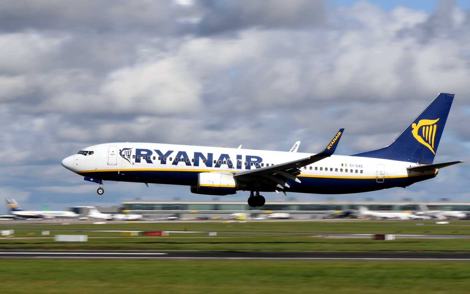 Ryanair Accused of 'Intimidating' Passengers Trying to Claim Compensation for Canceled Flights