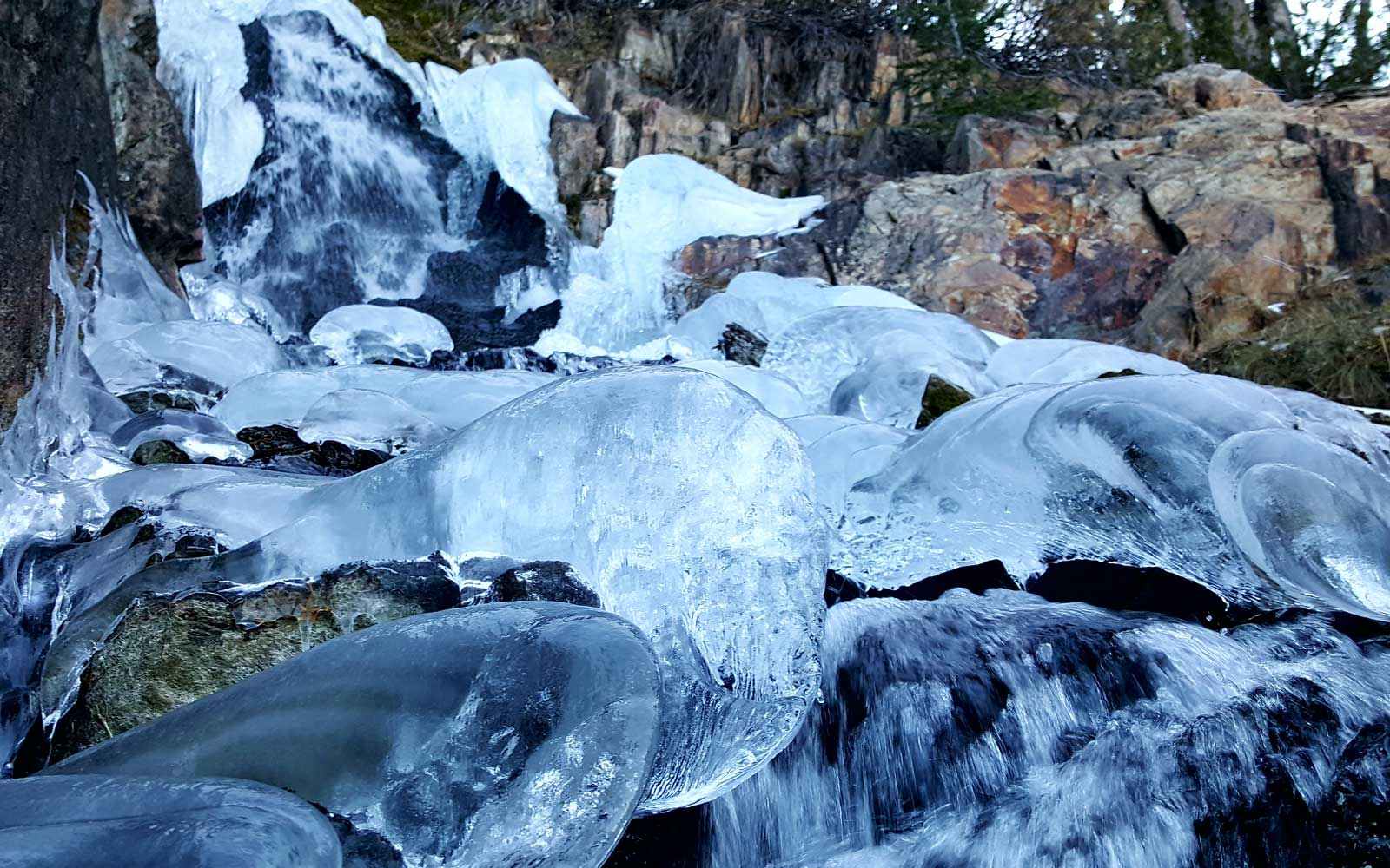 This Waterfall in California Completely Froze Over, and You Can Climb It