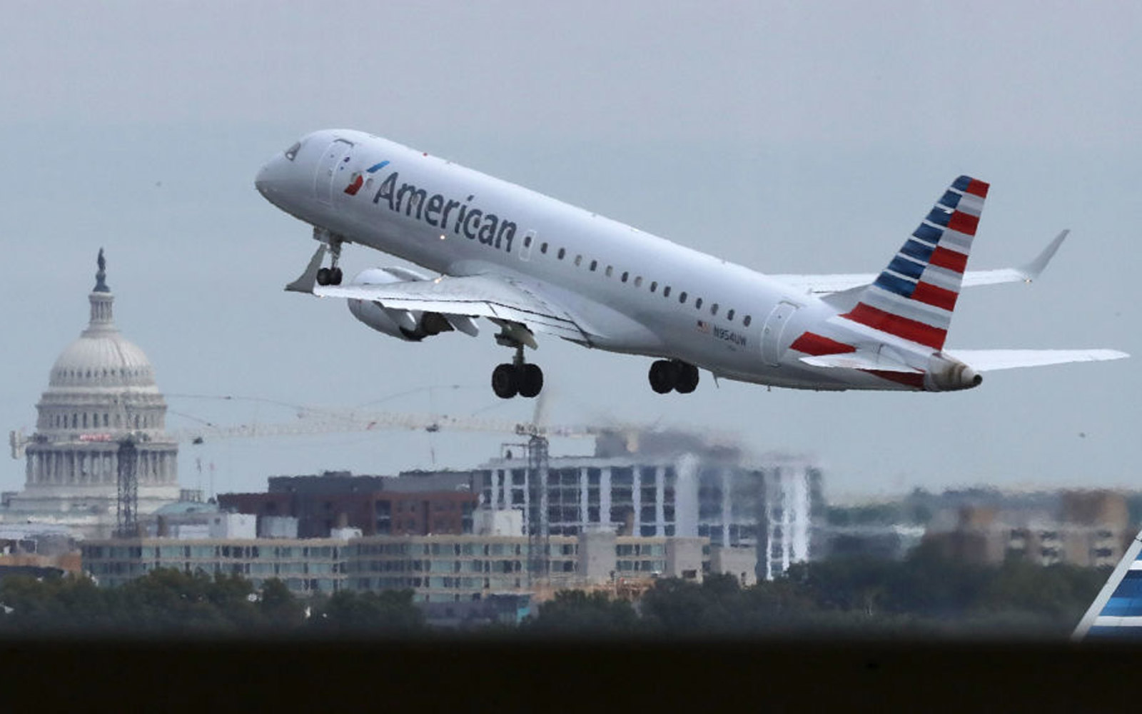 Pilots Are 'Stepping Up' to Fly 15,000 Christmas Week Flights After American Airlines Glitch