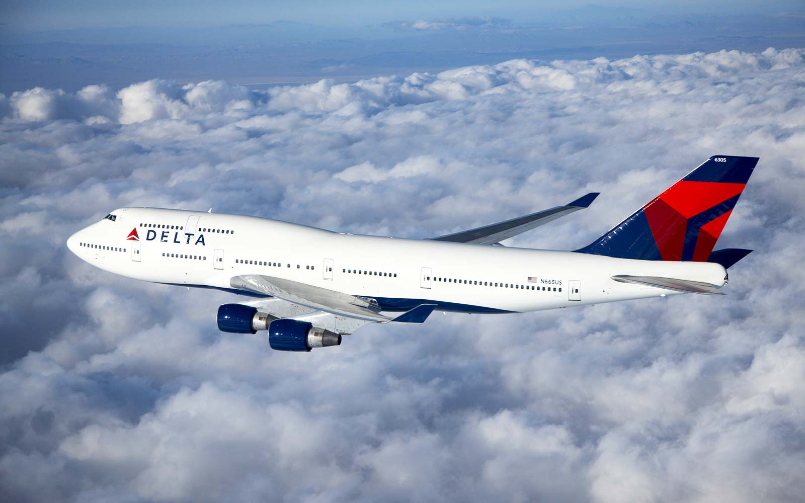 Delta Boeing 747 - 400 airplane flight