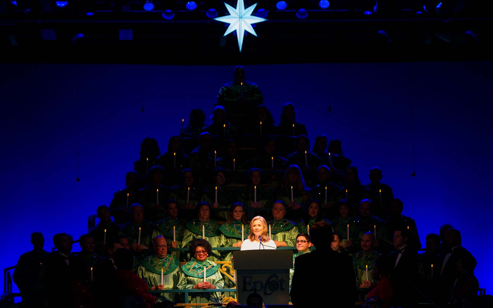 Meredith Vieira Disney Candlelight Processional Christmas Holiday