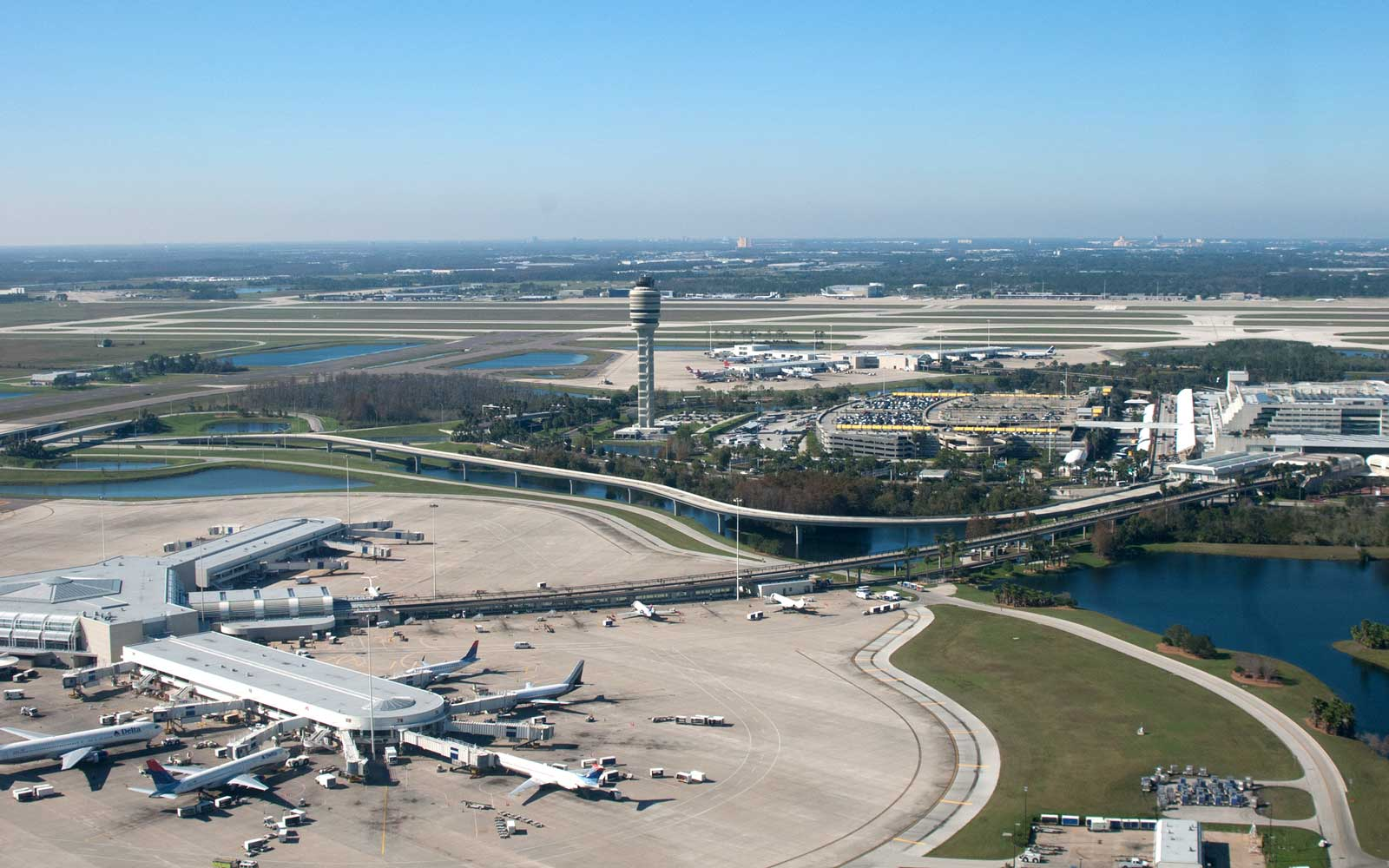Exploding Lithium-ion Camera Battery Causes Panic and Delays at Orlando International Airport