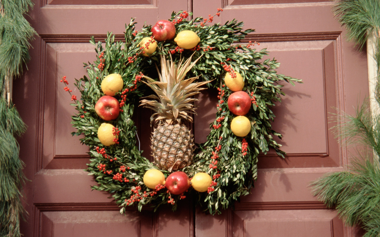 Forget Christmas Trees, Decorated Pineapples Are the New Instagram Trend