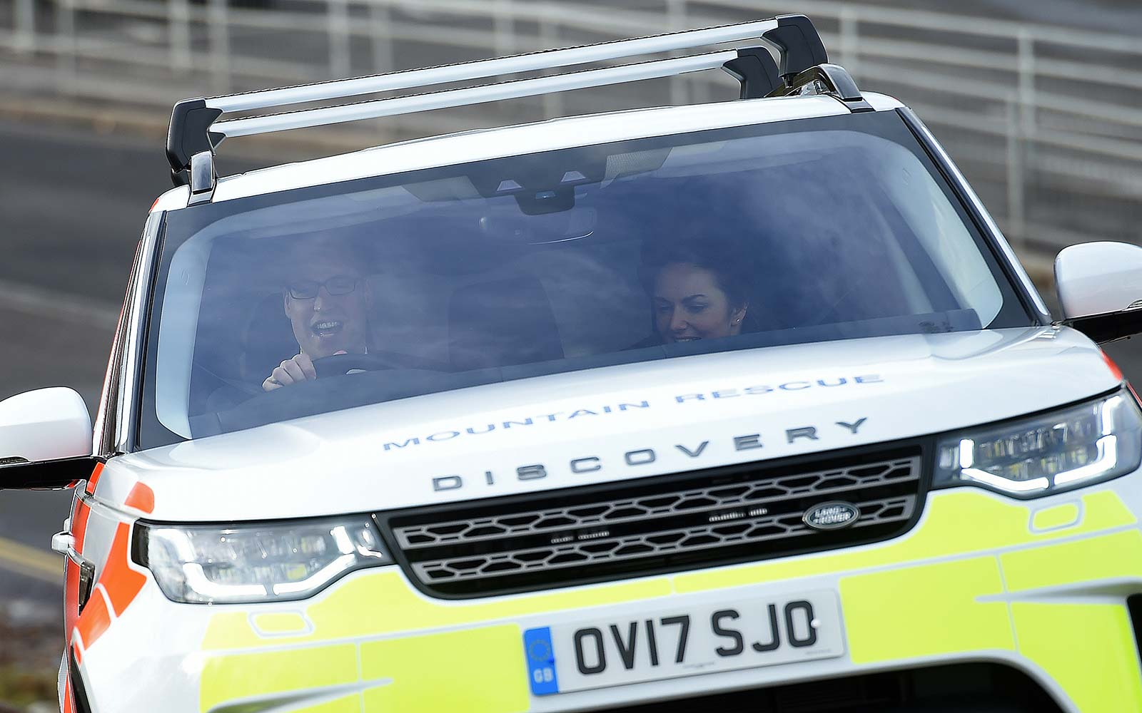 Prince William and Kate Middleton Went Off-roading in a Land Rover: Photos
