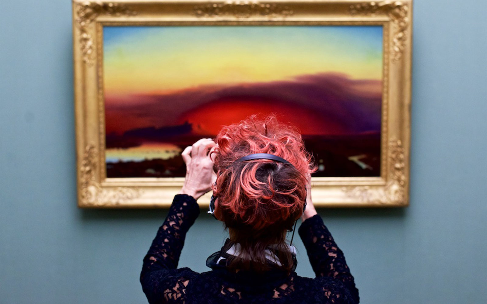 This Photographer Captures Museum-goers Who Look Like the Art