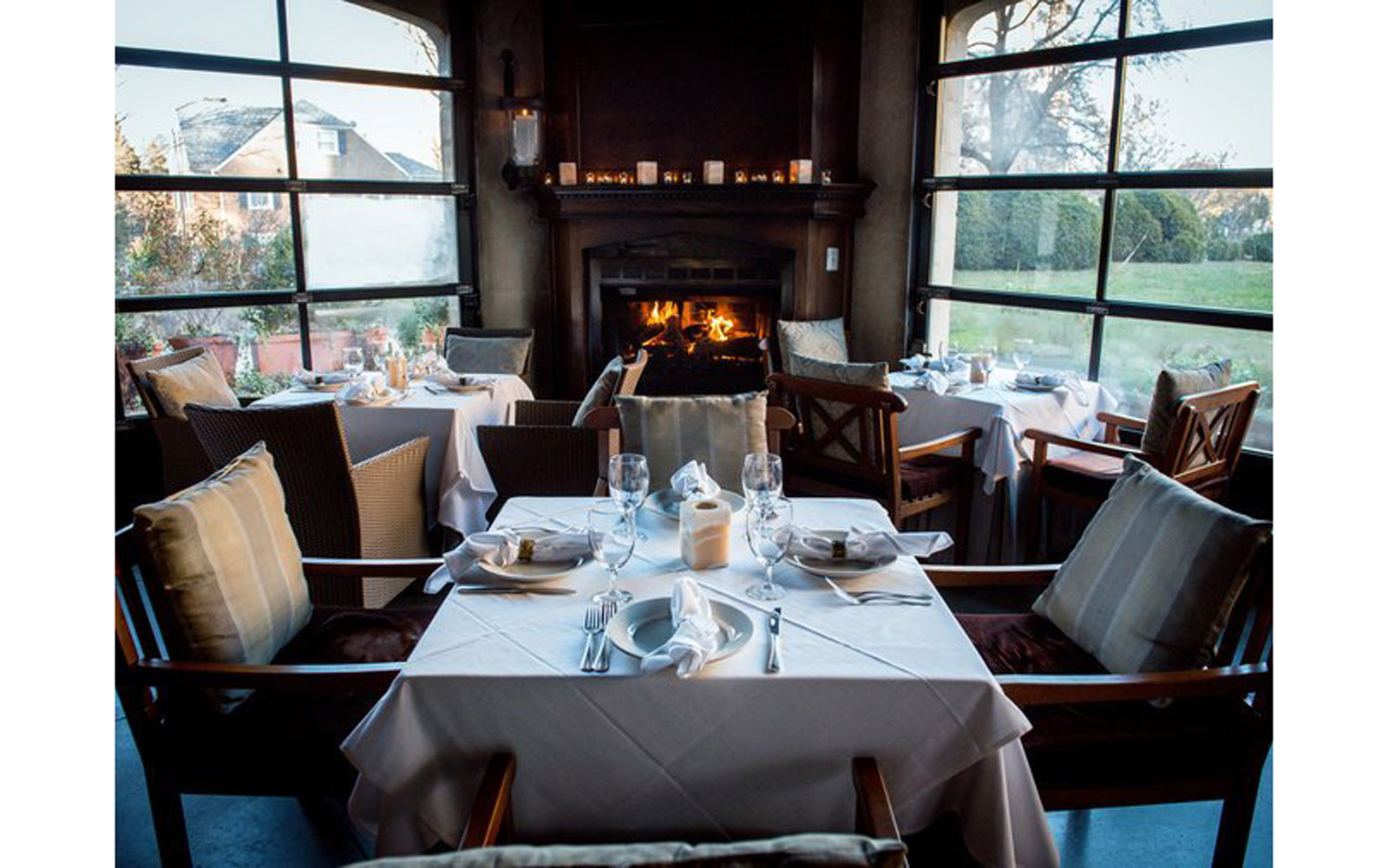 Where to Find the Coziest Restaurant in Every State