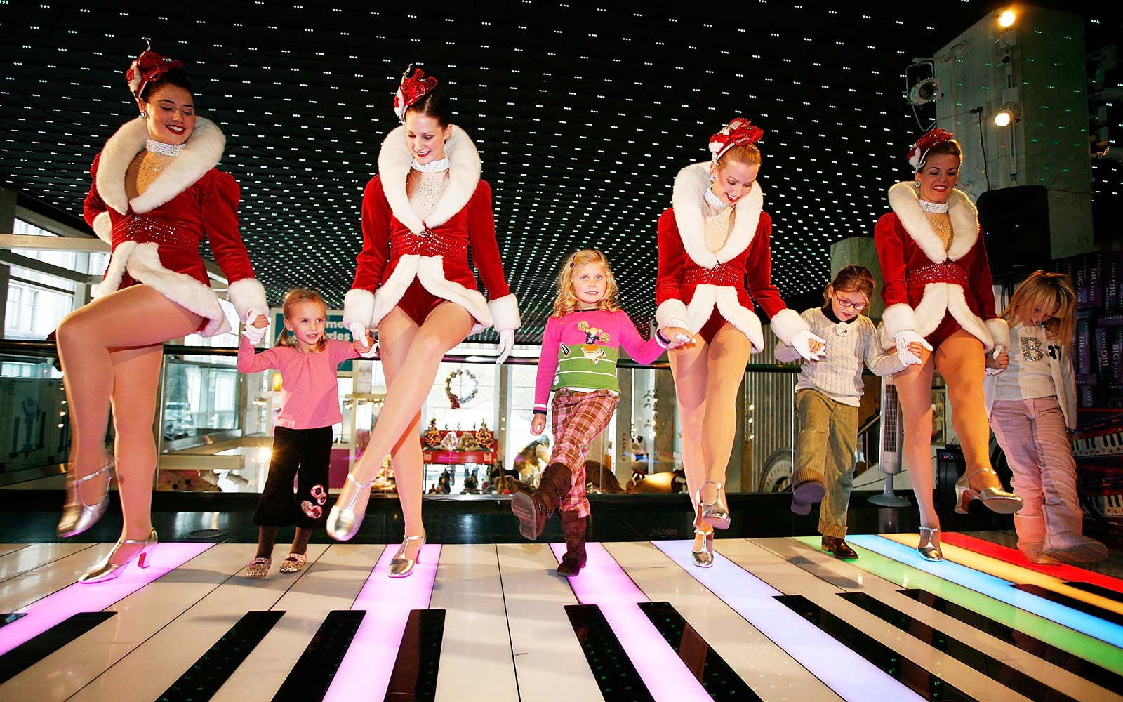 FAO Schwarz Is Coming Back to New York City
