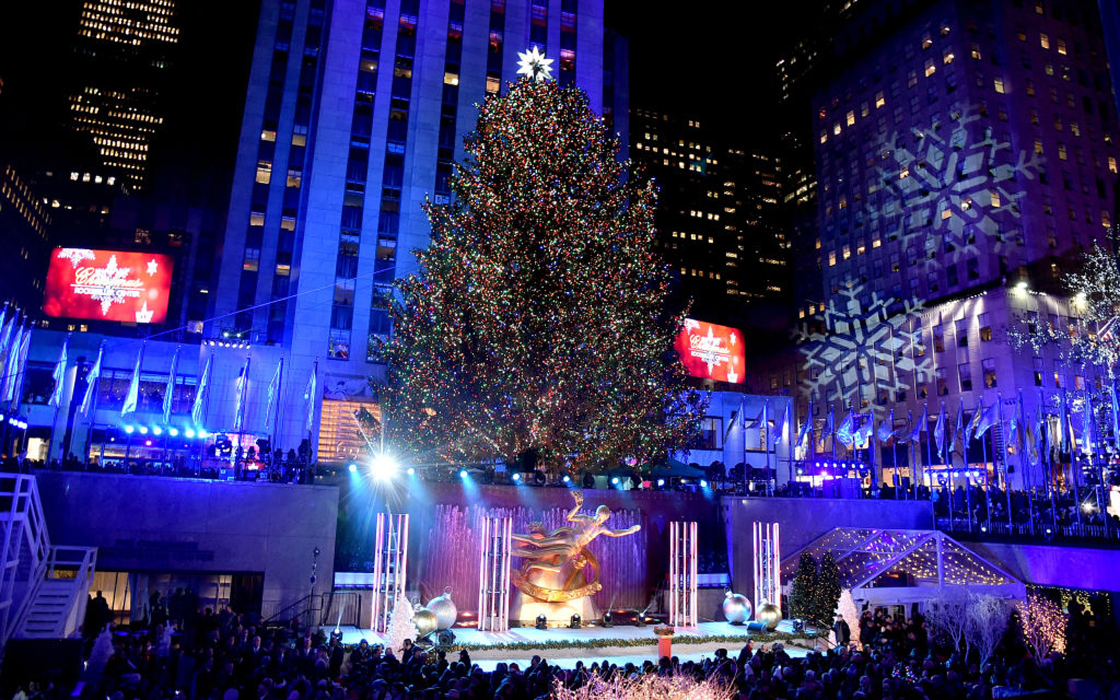See Incredible Photos of the Rockefeller Center Christmas Tree Over Its 86-year History