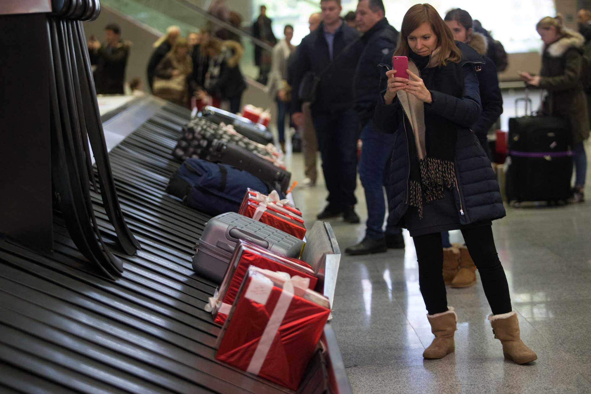 TSA Rules for Wrapped Gifts: 3 Tips for Travelers