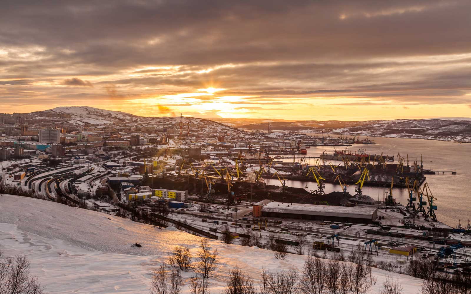 Sun Finally Rises in Russian Town in the Arctic Circle After 40 Days Of Darkness