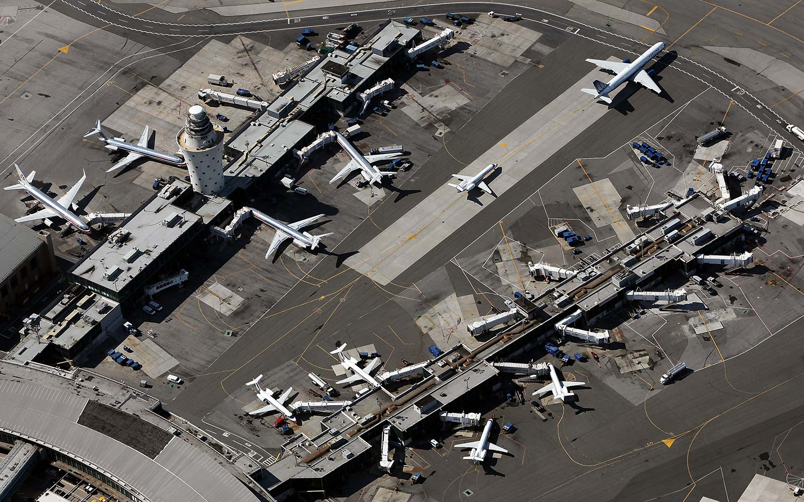 The Worst Airports, According to Pilots