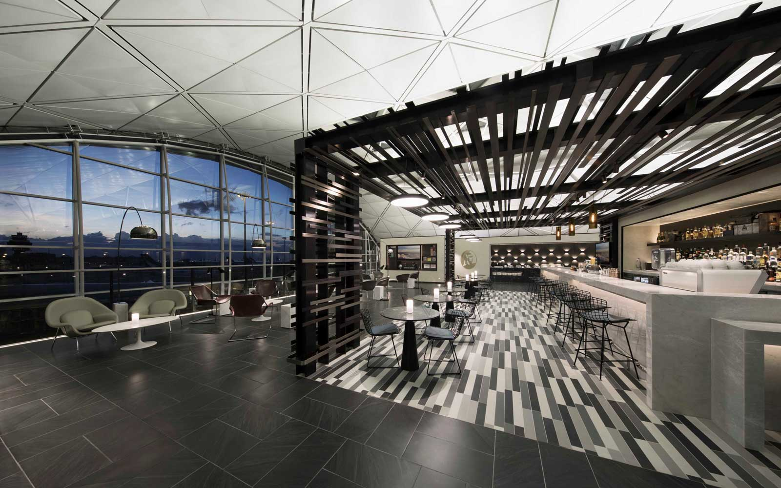 American Express Centurion Lounge — The Luxury Airport Lounge We All Want Access To