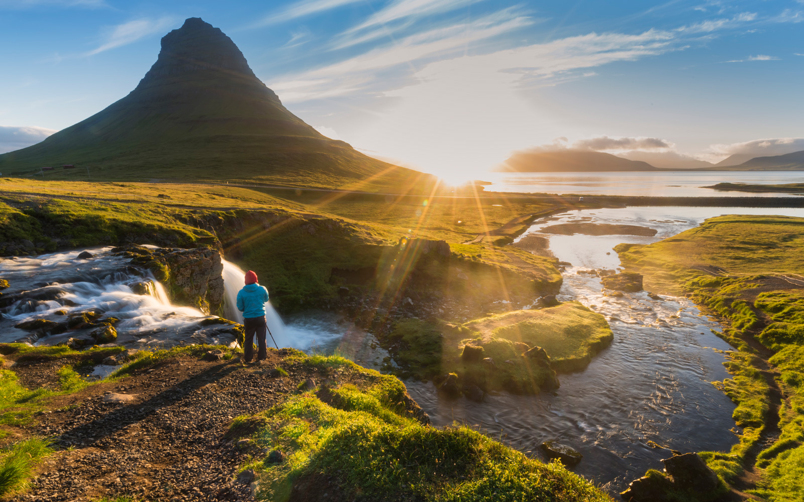 WOW Air Has Cheap Flights to Iceland Starting at $198 Round-trip