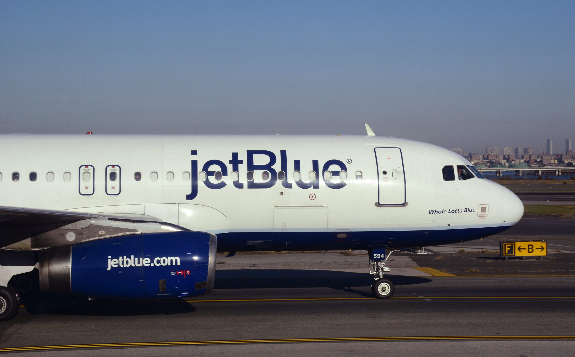 jetblue-woman-drunk.jpg