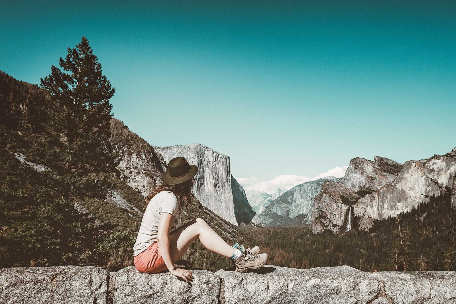Lead 11 Safety Products every Female Solo Traveler Needs