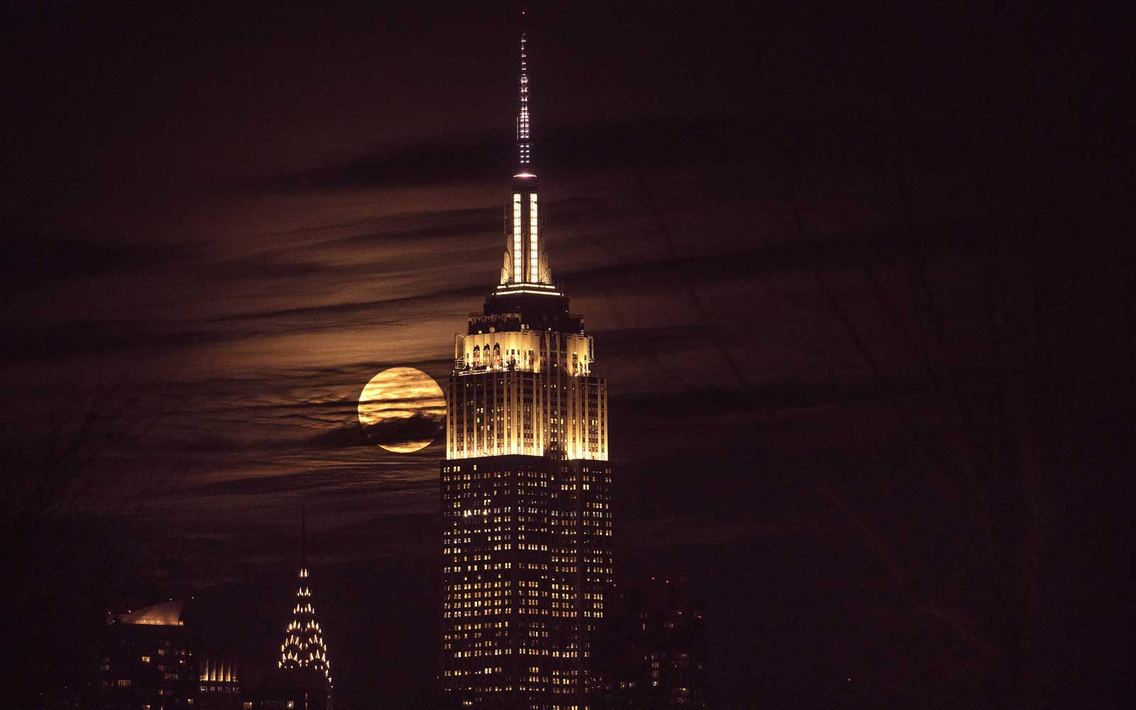 See the Empire State Building's Sparkling New Light Show