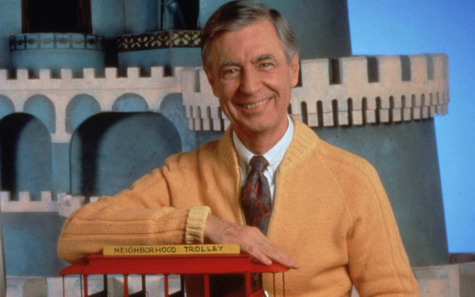 Mr. Rogers Got an Adorable Tribute at the Pittsburgh Airport