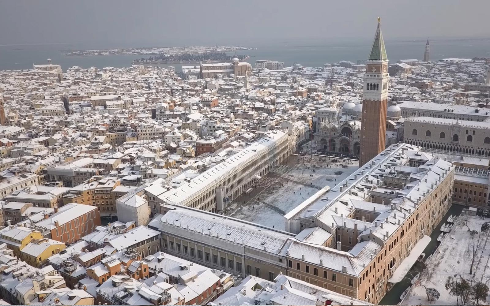BAUER Palazzo Venice Piazza San Marco Italy Snow