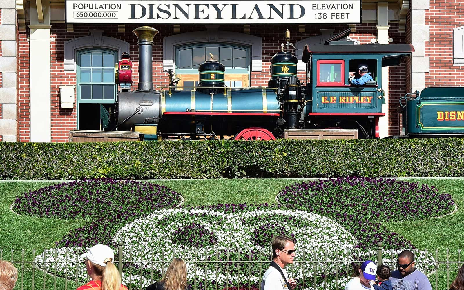 Disneyland Is Hiring, and Holding Two Job Fairs in May