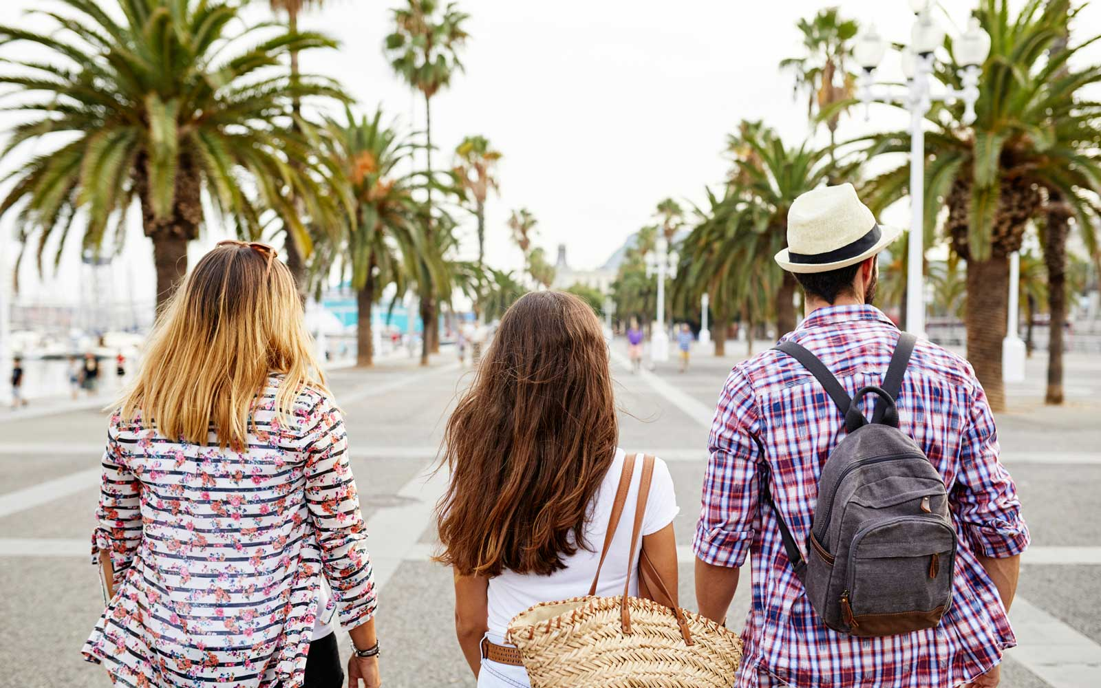 How to Go on Vacation With Your Friends If You Can't Really Afford It